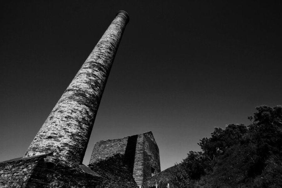 Beckwiths Mine chimney (copyright Amy Mulhern)