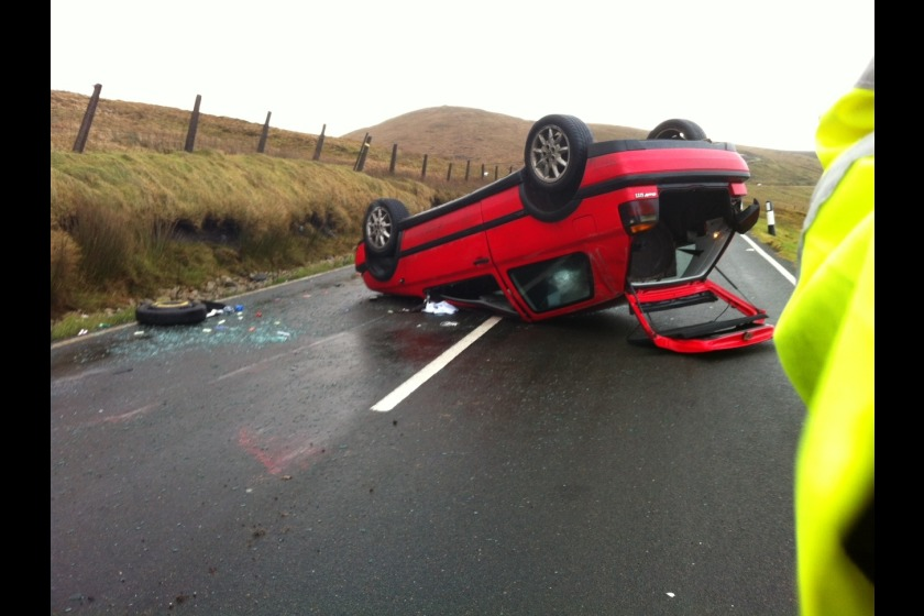 Volkswagen Golf overturned at the 32nd Milestone