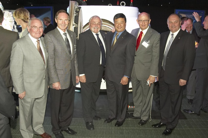 Art Dula (second from right) with political member for space commerce Alex Downie MLC, cosmonaut Colonel Valery Tokarev, Chief Minister Tony Brown, astronaut Dr Leroy Chiao and cosmonaut Colonel Vladimir Titov