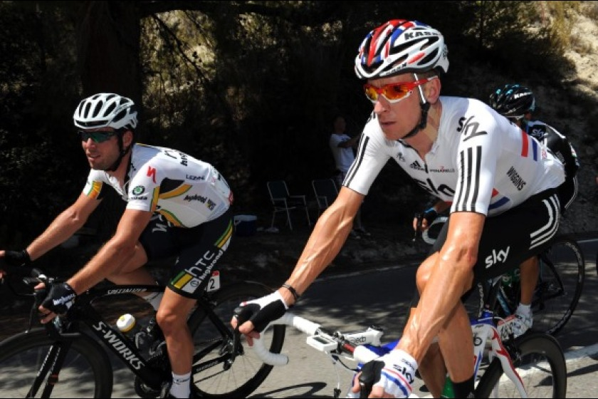 Mark Cavendish (left) riding alongside Bradley Wiggins earlier this week in the Vuelta a Espana (picture from cyclingweekly.co.uk)