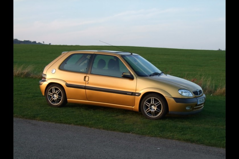 A gold Citroen Saxo, similar to the car involved in this incident