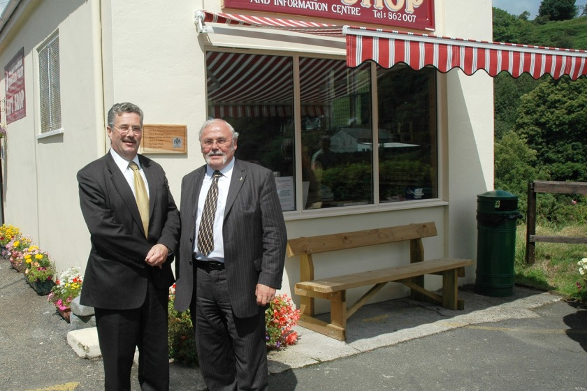 Steve Rodan re-opens Laxey and Lonan Heritage Trust gift shop in the presence of Chief Minister Tony Brown