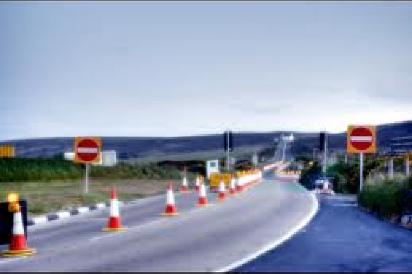 A18 Mountain Road whilst one way