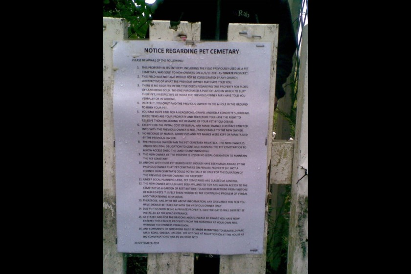 Sign on the gate at Beaufield Park in Greeba
