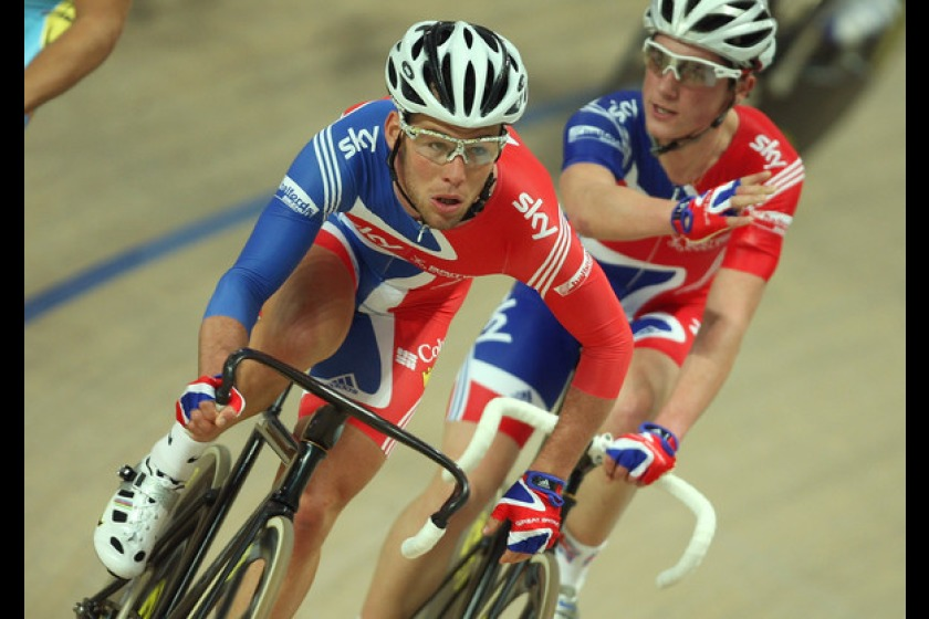 Peter Kennaugh (right) racing with fellow Manxman Mark Cavendish at the 2009 World Championships