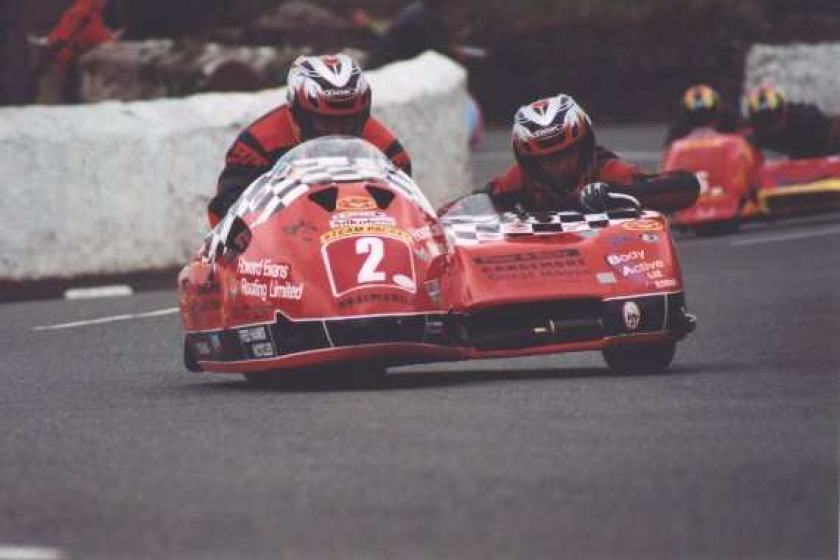 Roy Hanks and Dave Wells competing at the Southern 100 together for the first time in 2000