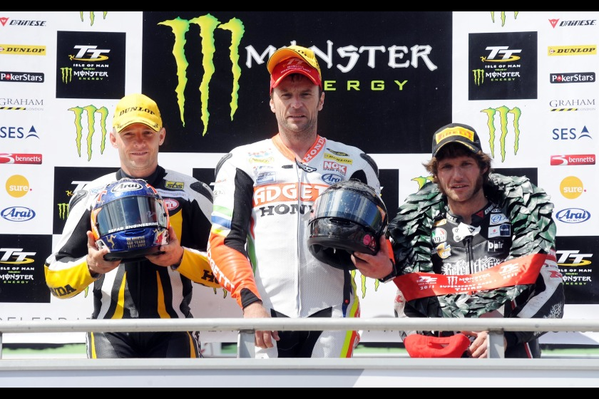 Bruce Anstey (centre) won Supersport 1, with Keith Amor (left) in 2nd and Guy Martin (right) in 3rd
