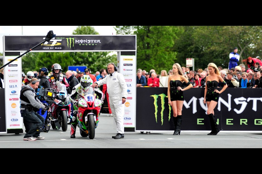 The start of yesterday's Supersport 2 race, before it was red flagged during lap 2